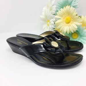 Anne Klein Iflex Sandals Flats Black & Gold Sz 7